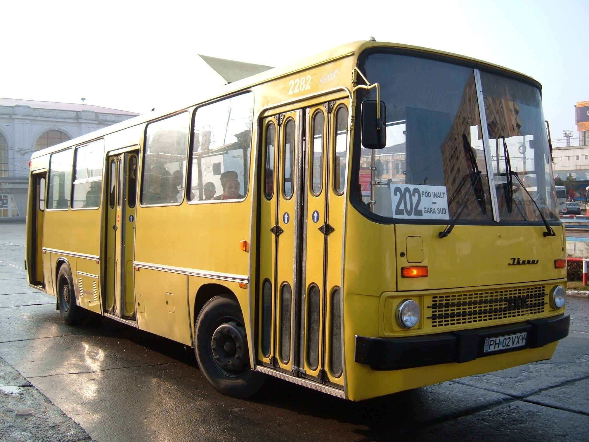 2282. Bus Ikarus on line 202. November 24, 2006